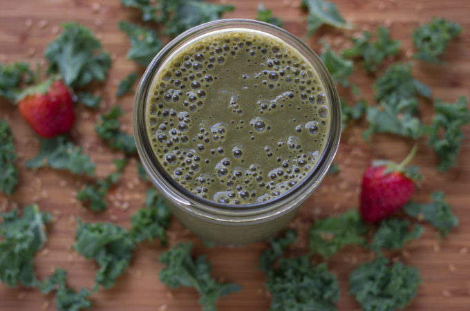 Kale Smoothie with Pomegranate Juice